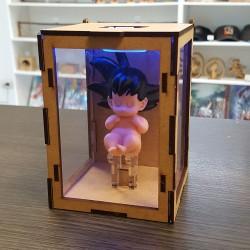 Figurita Goku bebe de 8cms con cajita de mdf y luz led